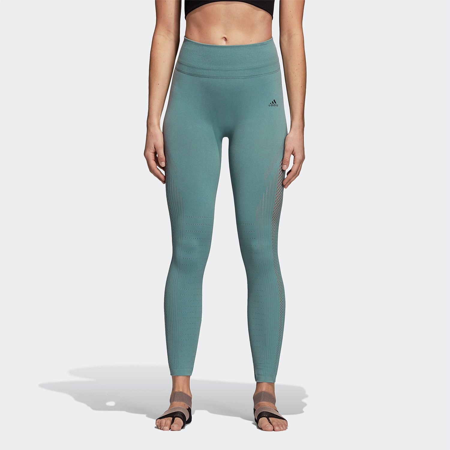 b954165d6044d Seamless construction for second-skin fit and feel